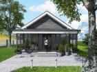 Небольшой одноэтажный дом с просторной верандой